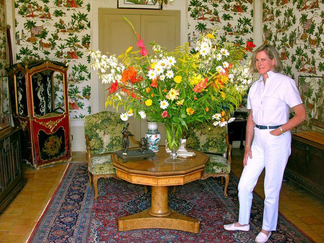 flowers-arrangement.jpg