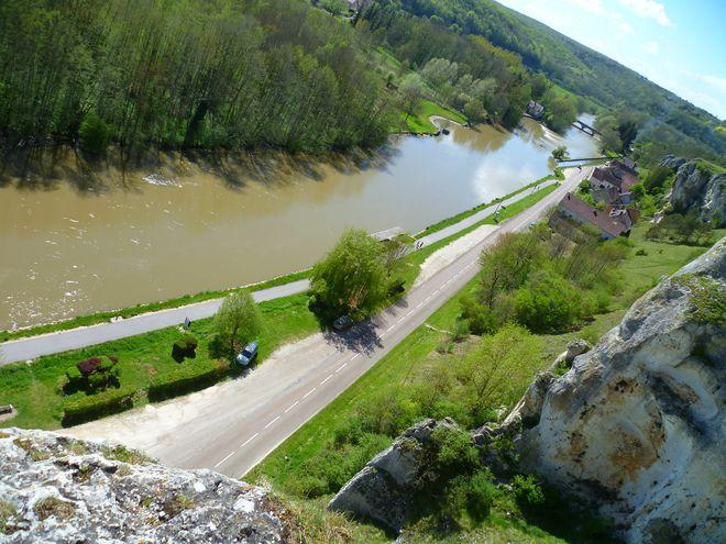 L'Yonne vue de la côte du Saussois (89)