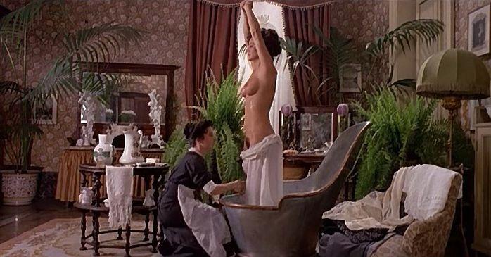 Laura-Antonelli-dans-Mio-Dio-come-sono-caduta-in-basso.jpg