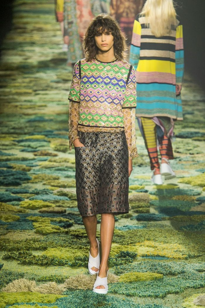 Fashion-Week-Paris-Dries-Van-Noten-Spring-2015-04.jpg