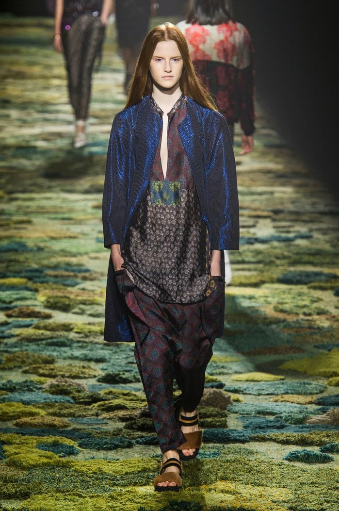 Fashion-Week-Paris-Dries-Van-Noten-Spring-2015-07.jpg