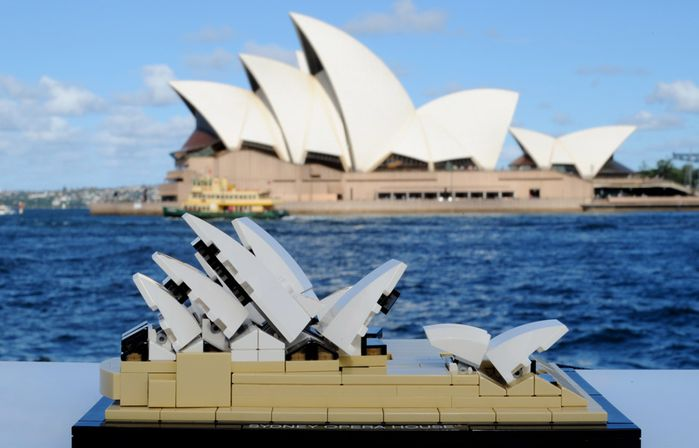 2606gSydney-Opera-House-lego-2