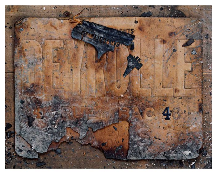 deyrolle-burned-sign1