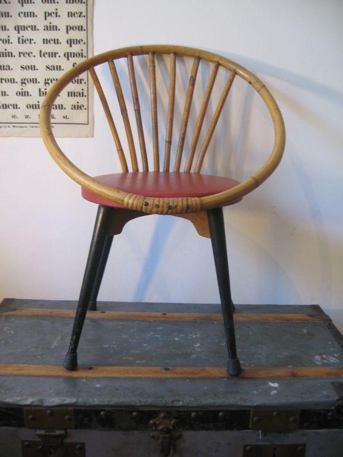 ancienne chaise fauteuil osier enfant l 39 antichambre. Black Bedroom Furniture Sets. Home Design Ideas