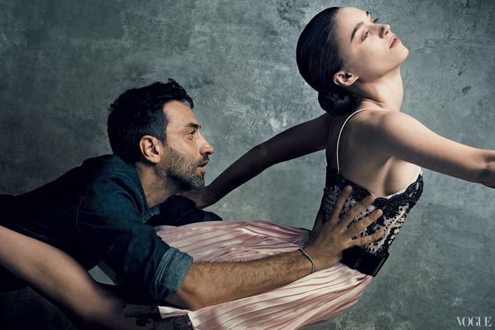 September-2012-issue-of-American-Vogue-features-fa-copie-1.jpg
