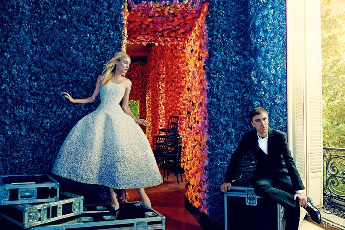 September-2012-issue-of-American-Vogue-features-fa-copie-2.jpg