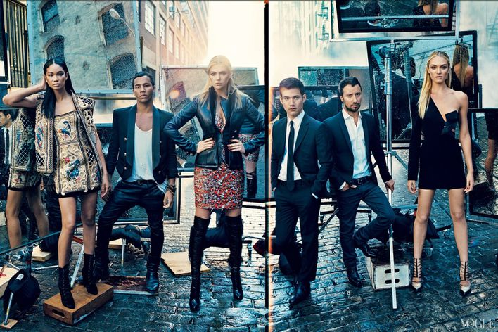September-2012-issue-of-American-Vogue-features-fa-copie-5.jpg
