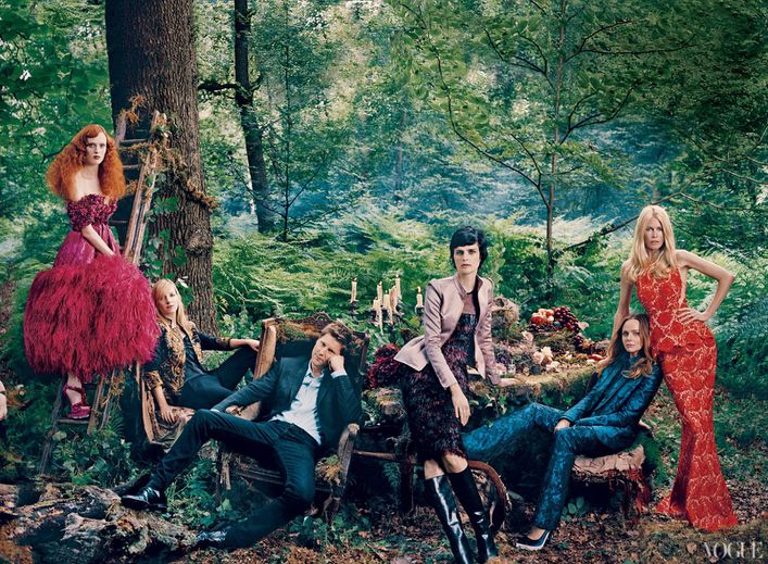 September-2012-issue-of-American-Vogue-features-fa-copie-6.jpg