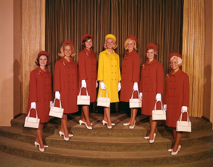 Hotesses--Miss--Contractuelles-1967.jpg