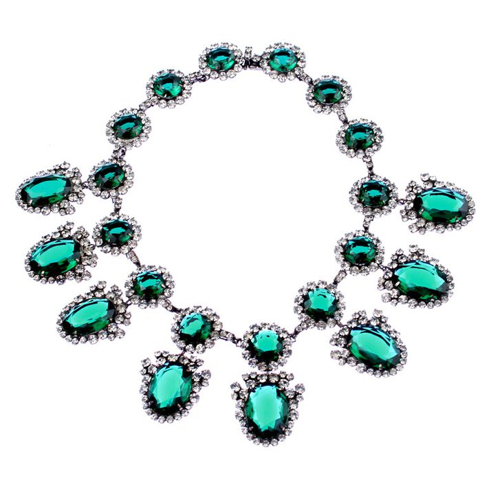 Kenneth-Jay-Lane-green_stone_necklace.jpg