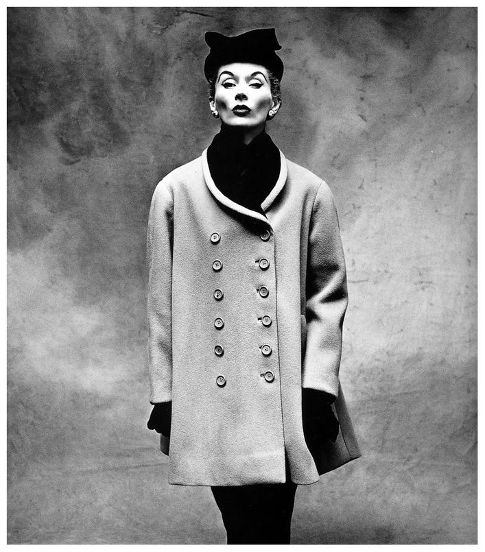 Lisa-FONSSAGRIVES-en-BALENCIAGA-par-Irving-PENN---VOGUE-195.jpg
