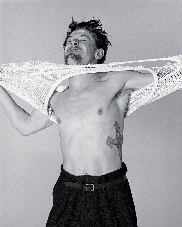 Jack-O-Connell--photographed-by-Bruce-Weber-for-T--07.jpg
