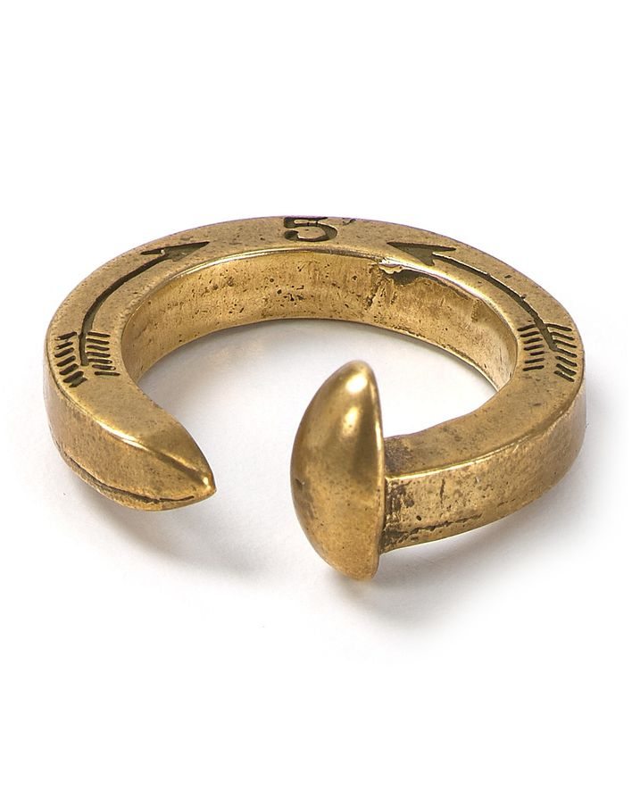 Bague-.Giles---Brother-Railroad-Spike-Ring.jpg