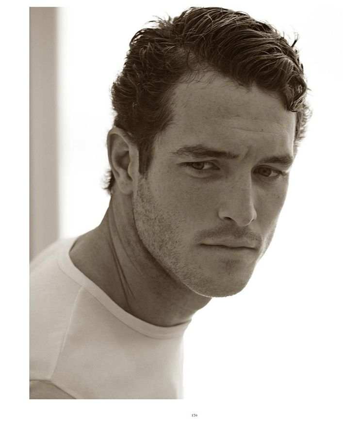 Justice-Joslin-by-Mariano-Vivanco--Man-of-the-World-02.jpg