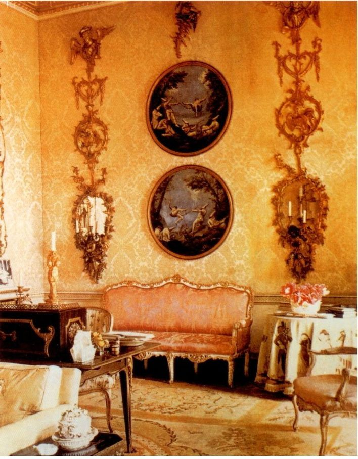 Mrs.-Tree-s-Sitting-Room-at-Ditchley.jpg