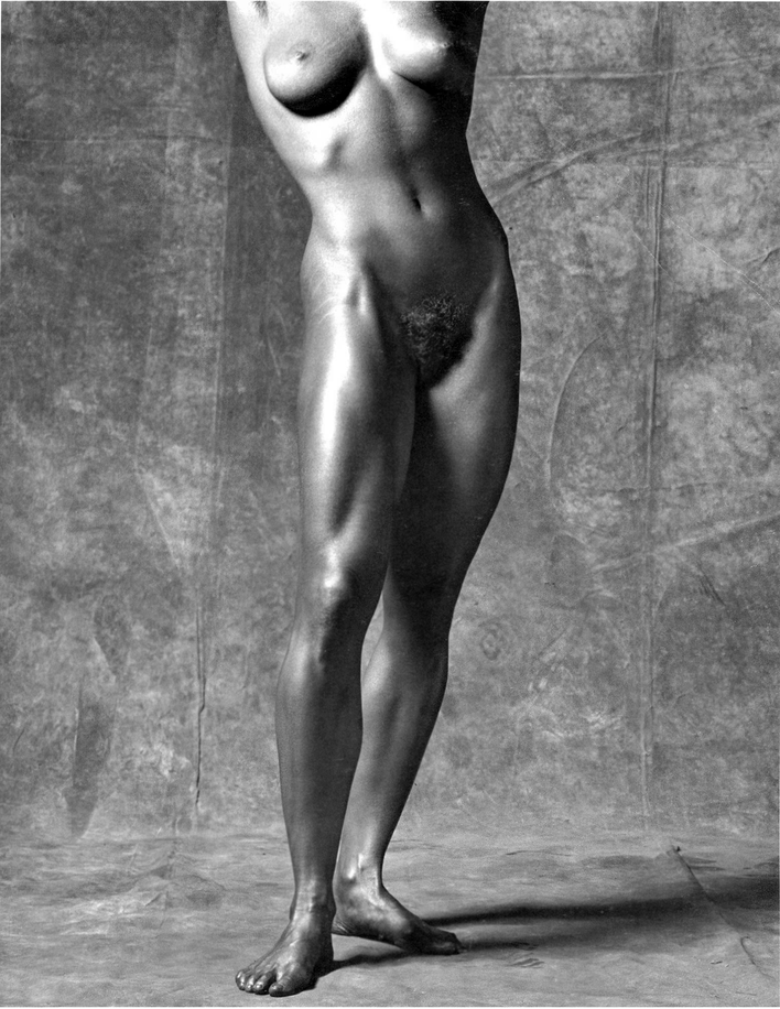 Robert-MAPPLETHORPE-.Lisa-LYON-04.png