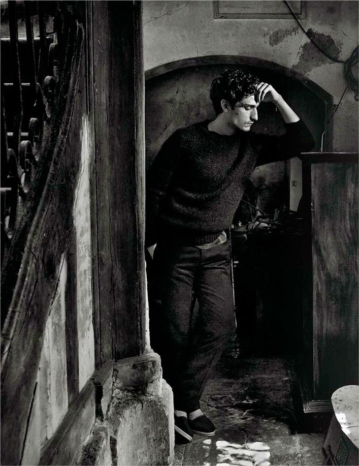 Louis-GARREL-.par-Mario-SORRENTI-.VOGUE-Hommes-Paris.3.jpg