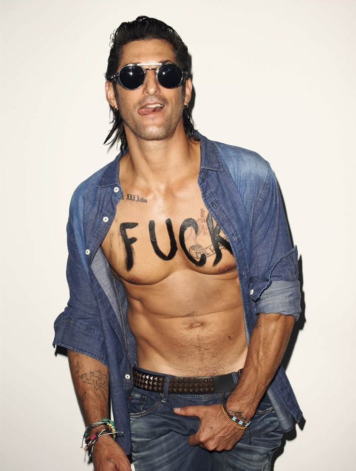 Tony-WARD-par-Terry-RICHARDSON---Lookbook-Sergio-K-copie-1.jpg