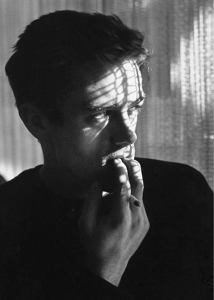 James-Dean-photographed-by-Roy-Schatt--1955.jpg