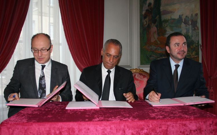 Signature-convention-Ubifrance-DGOM.jpg