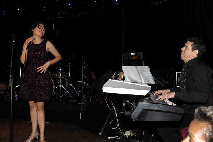 La-chanteuse--Leila--Toresi-et-le-pianiste-gwada-Jean-Mar.jpg