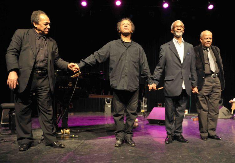 le-trio-biguine-reflexion-et-son-invite-Andre-Condouant-p.jpg