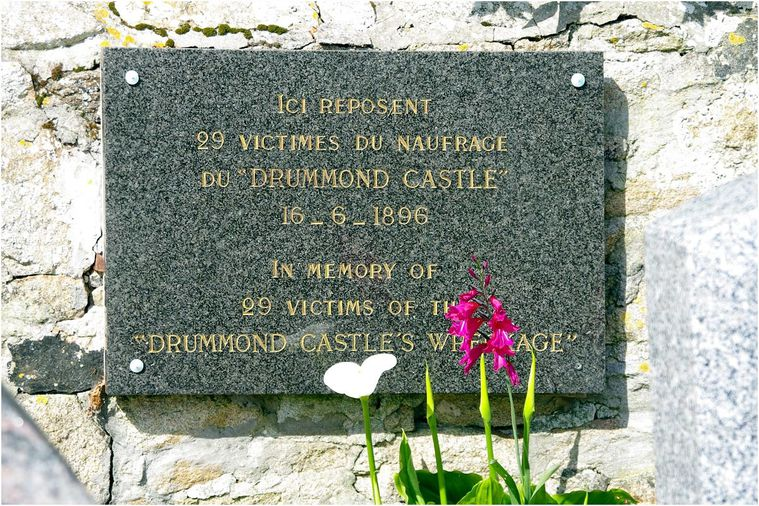drummond-castle01