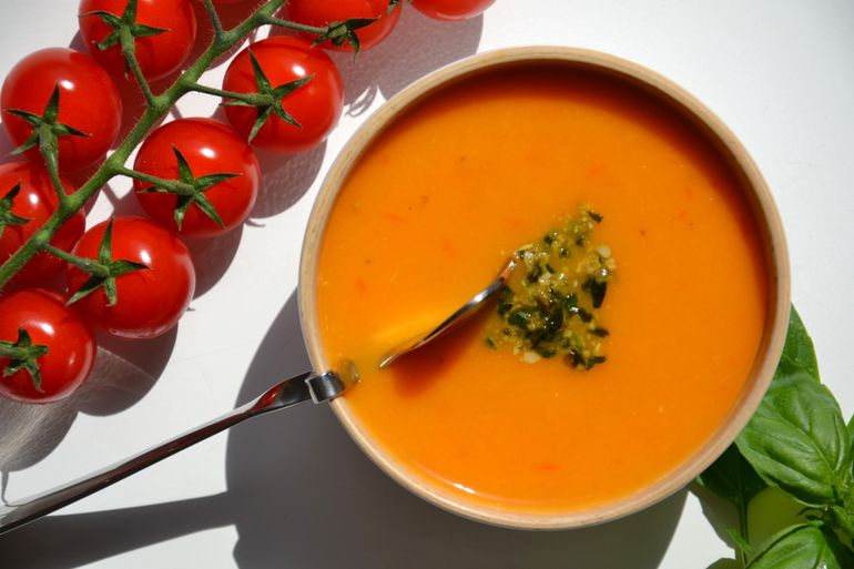 Soupe-froide-tomate-pesto2.JPG