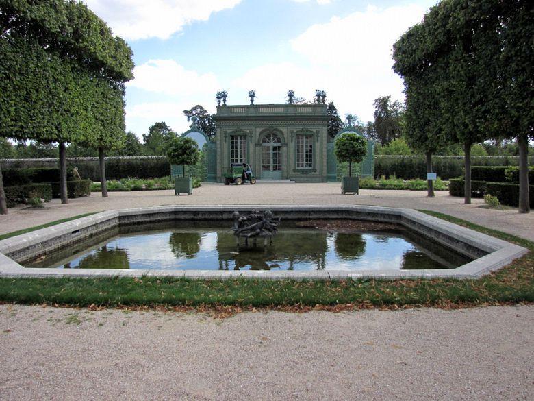 Bassin du jardin fran ais du petit trianon 2 4 le blog for Jardin anglais du petit trianon