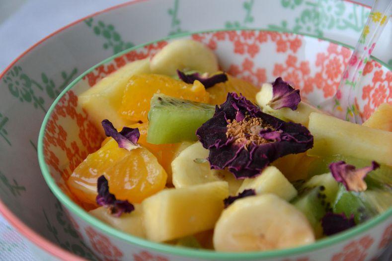 Salade-fruits-hibiscus-rose3.JPG