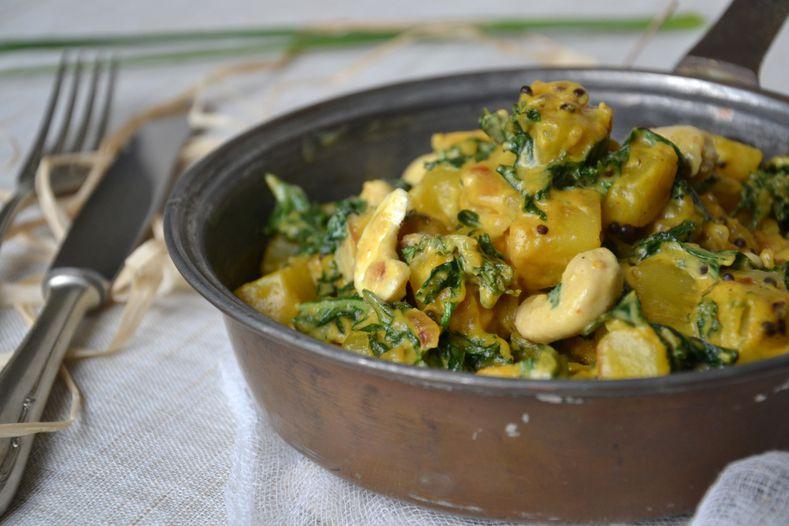 curry de chou kale et pommes de terre aux noix de cajou les recettes de juliette. Black Bedroom Furniture Sets. Home Design Ideas
