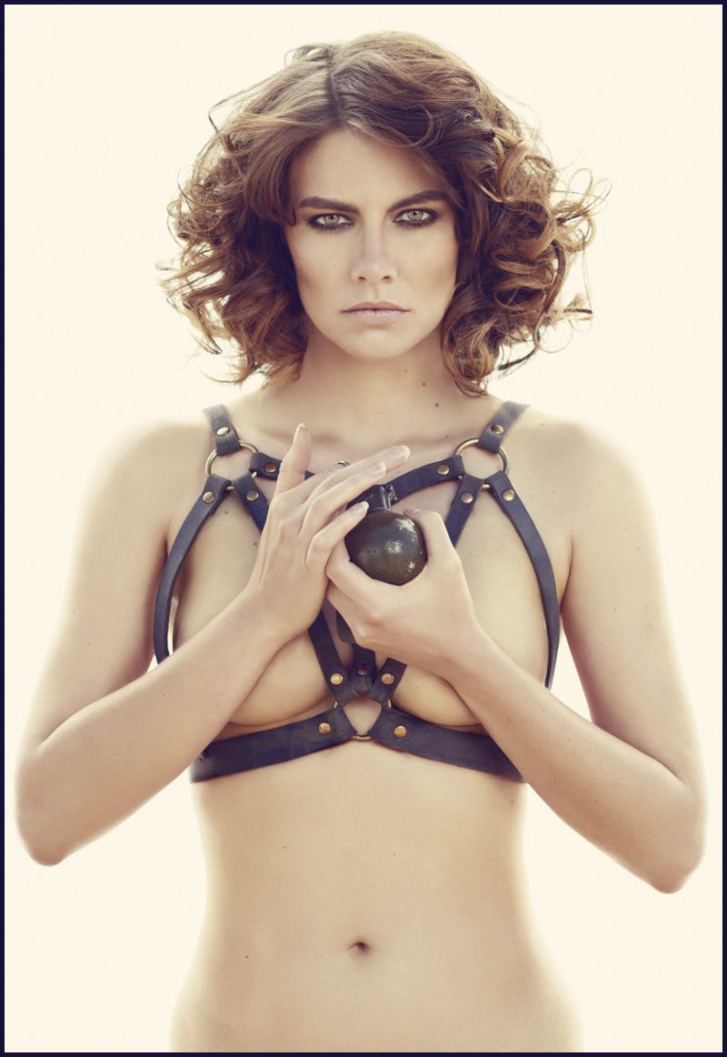 Lauren-cohan-pin-up-Desert-sexy.jpg