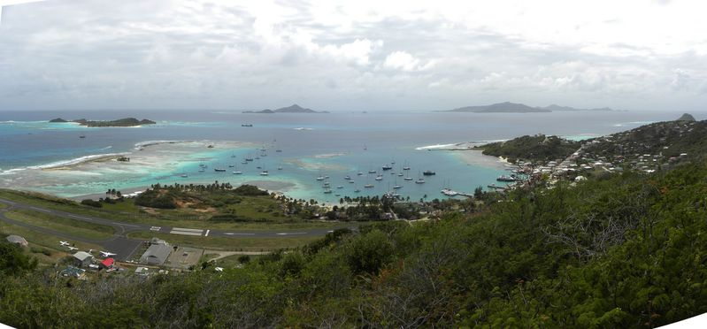 Grenadines Union Cliffton Pano1
