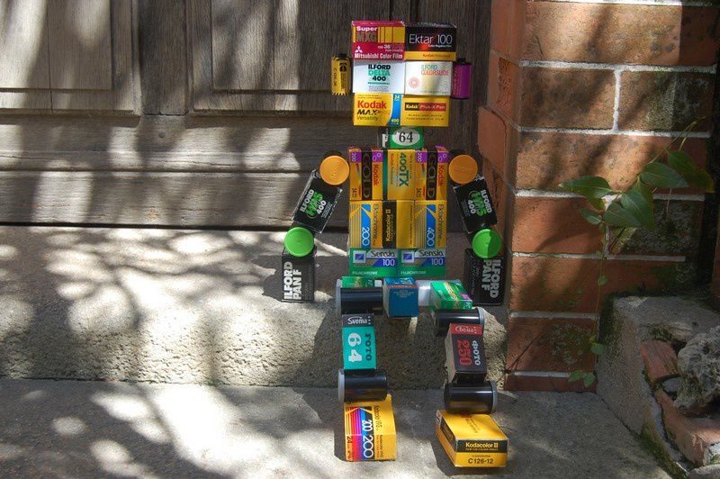http://img.over-blog.com/800x532/1/46/76/24/photos/Printemps/DIY-robot.jpg