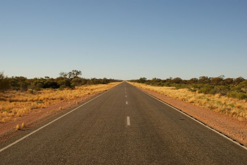 blog voyage australie whv outback roadtrip road stuart highway dsert infini 