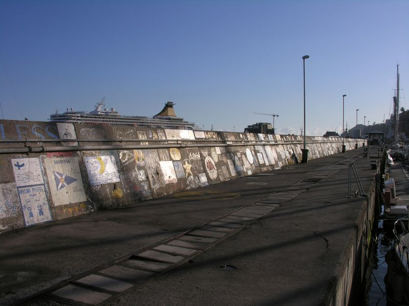 Madere Funchal Port Digues Tags1