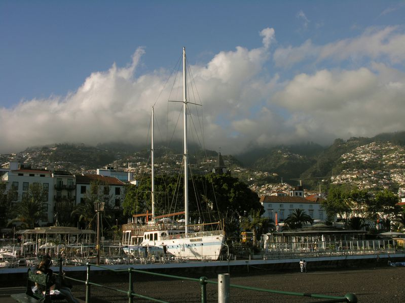 Madere Funchal Port Resto Vagrant 1