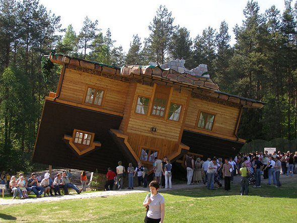 buildings-that-seemingly-could-collapse-in-a-second-14.jpg