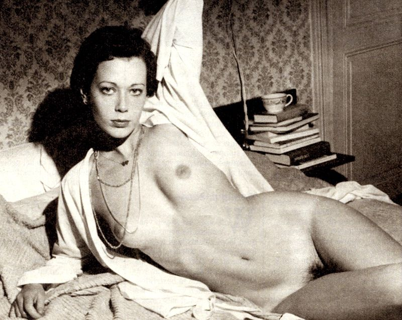 Sylvia-Kristel-nude-in-Bed.jpg