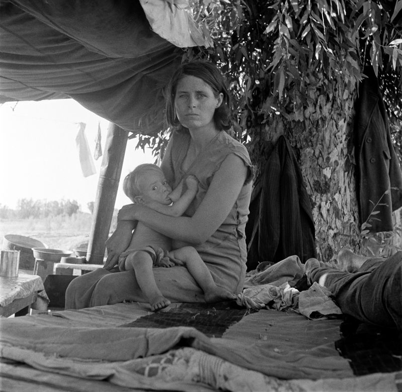 Dorothea Lange, Drought refugees from Oklahoma camping by t