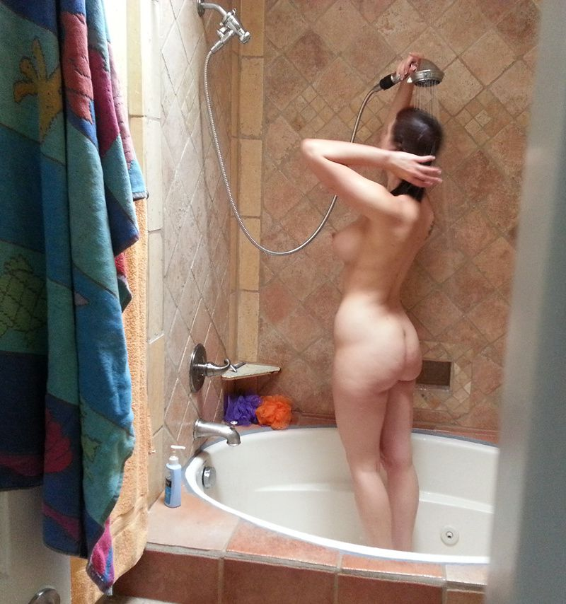 Ava-Self-Shot-Naked_amatrice_18.jpg