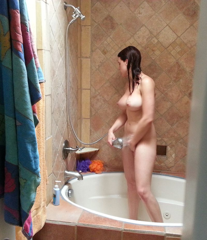 Ava-Self-Shot-Naked_amatrice_19.jpg