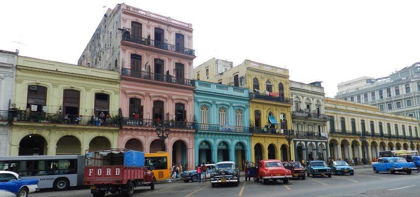 Cuba LaHavane Immeubles facades Taxi Americaines 7 copie