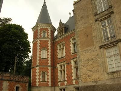 chateau-Beaumont-la-Ronce-2.jpg