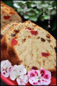 Cake-aux-fraises-sechees-et-raisins-3a.jpg