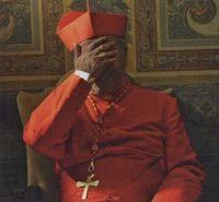 cardinal main devant visage