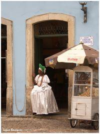 Salvador de Bahia Femme a la porte