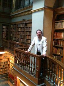 photo-bibliotheque-AN-avec-Dominique.jpg