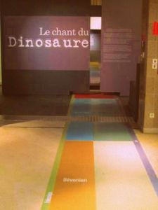 chant-du-dinosaure-orleans-entree.jpg