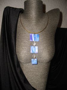 My blue pearly Prix : 20 €